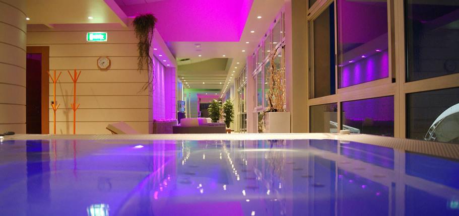 Terme - Residence riccione con piscina ...